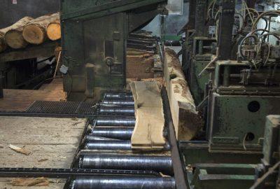 26/03/2018 - CORRE - HAUTE SAÔNE - FRANCE -  Societe DETROYE  Fabrique des éléments en bois massif sur mesure sous 4 jours  -  © laurent cheviet